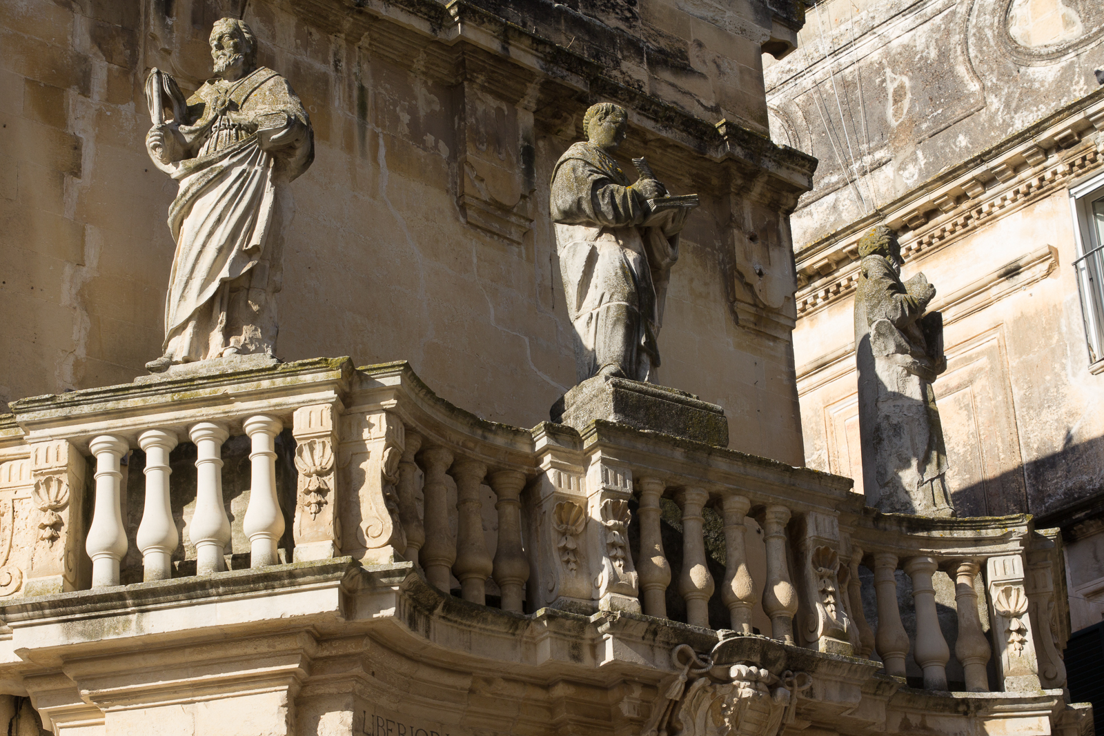 Balcony (Piazza del Duomo)