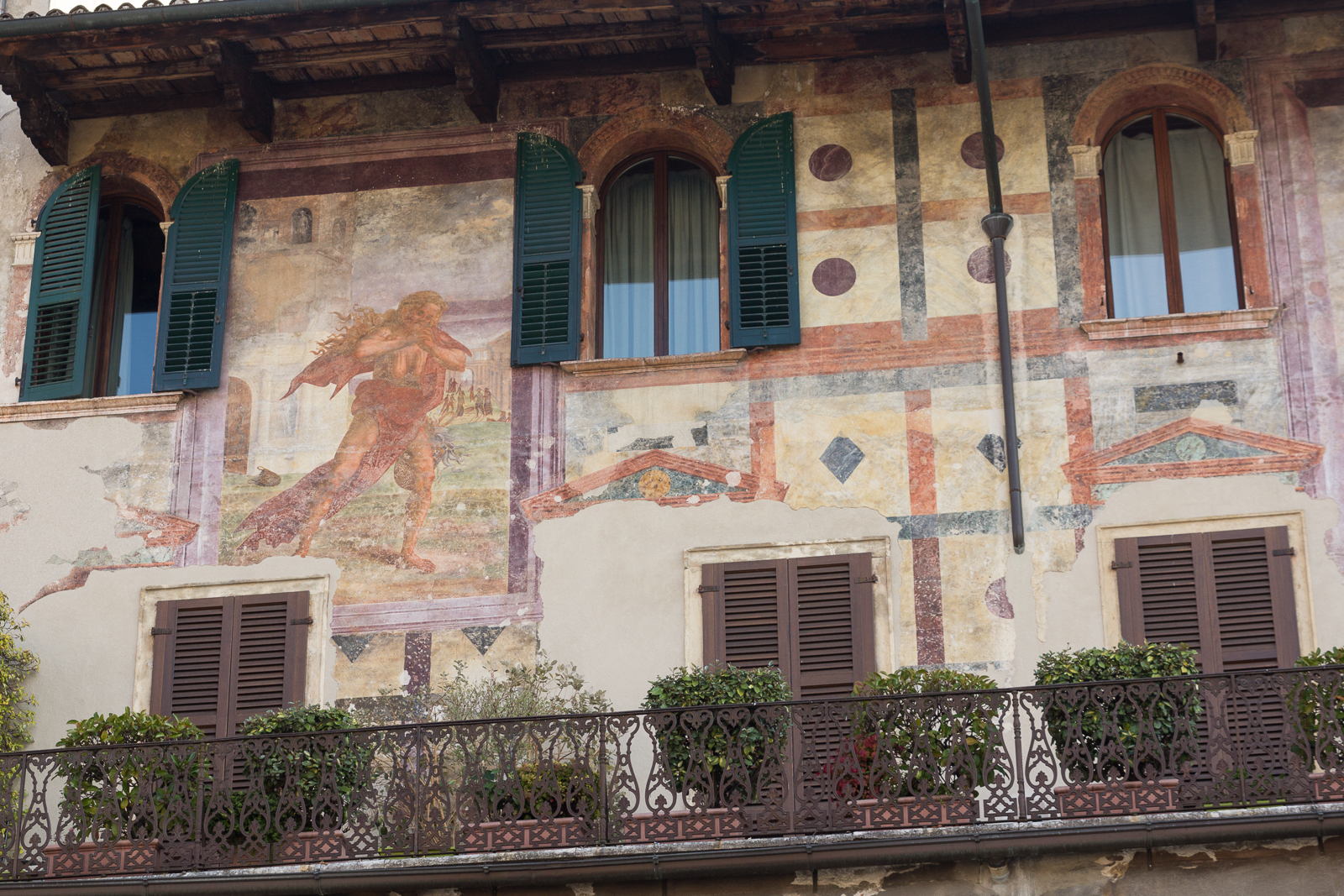 Murals, Piazza delle Erbe