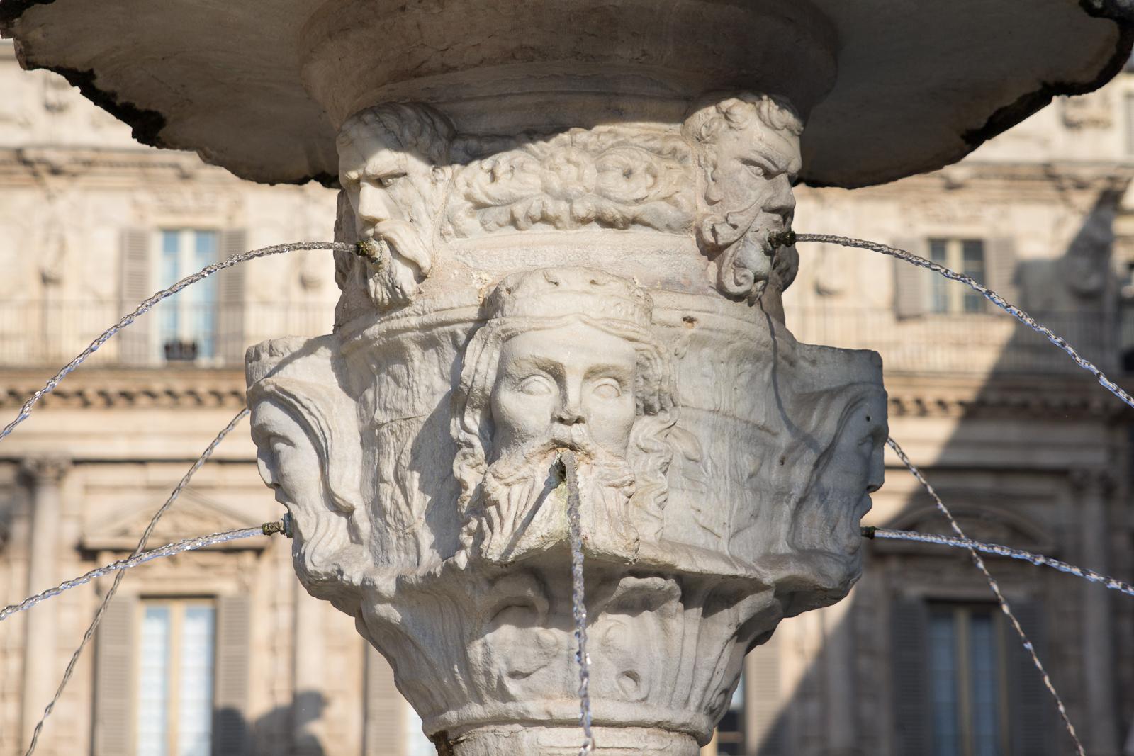 Fountain on Piazza delle Erbe