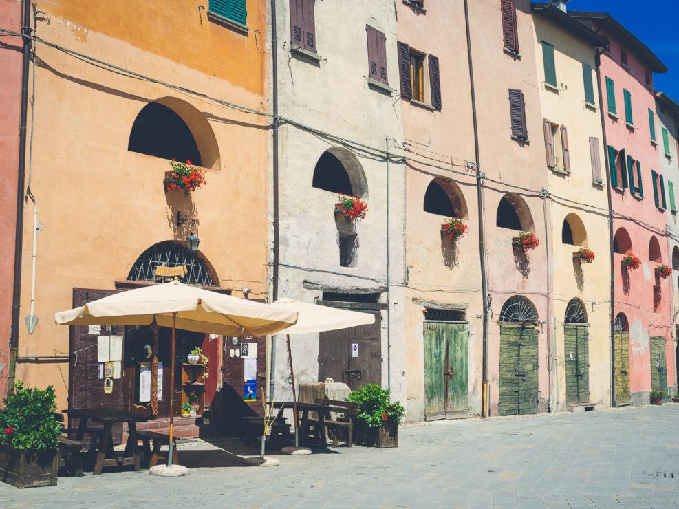 Piazza Marconi and Via degli Asini (exterior view)
