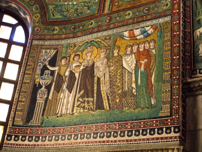 The procession of Theodora and her retinue (Basilica di San Vitale)