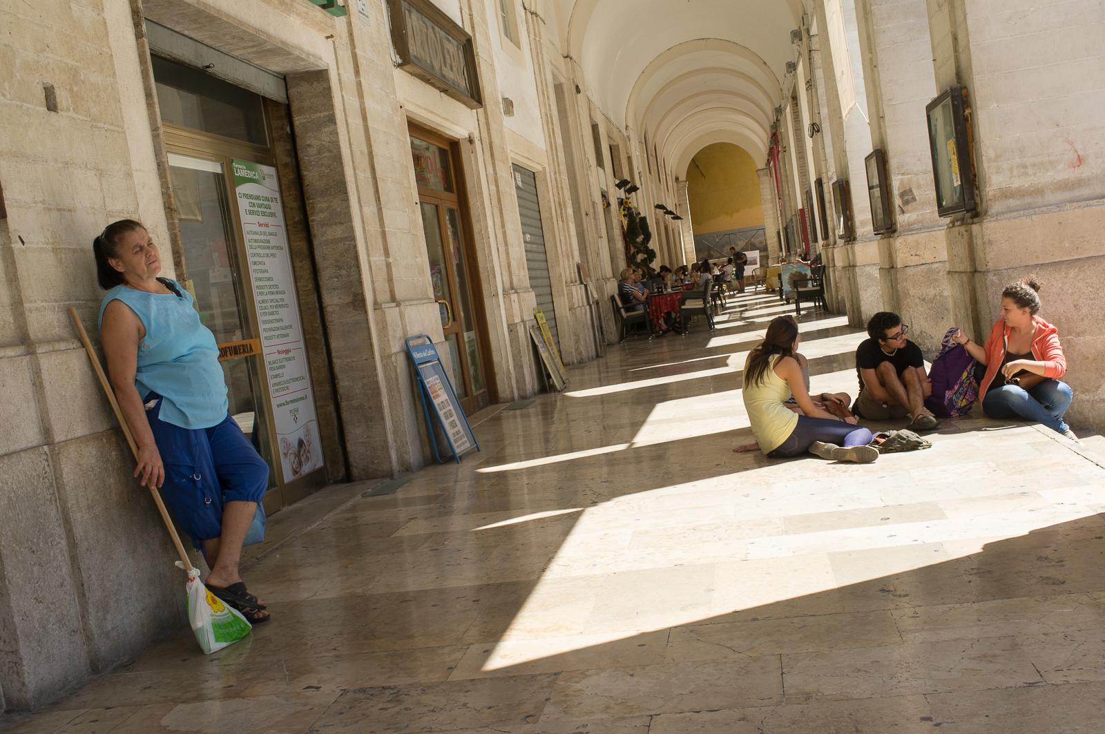 Under the porticos at Piazza della Repubblica