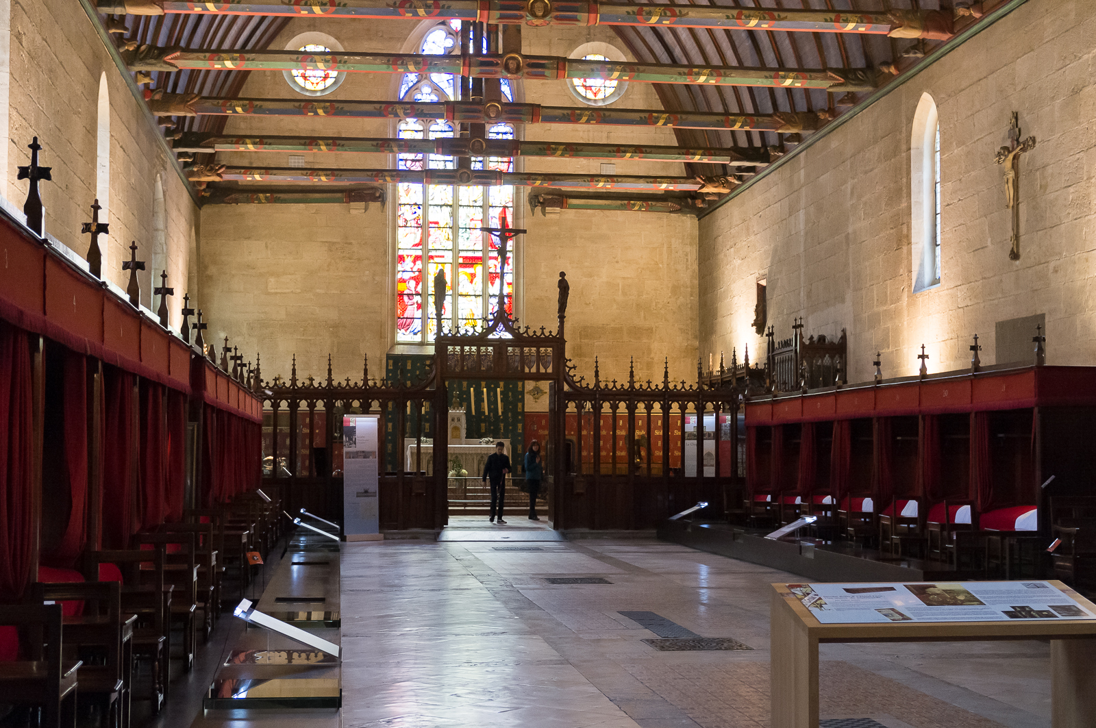 Room of the poor, rood screen and chapel